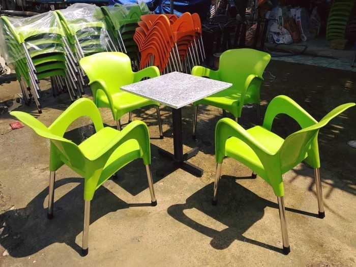 Ghế nhựa đúc HCM cho quán cà phê, sân vườn