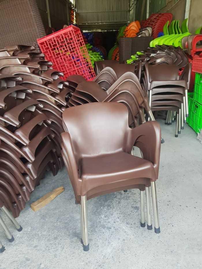 Chuyên ghế nhựa đúc nguyên khối chân inox tại TPHCM
