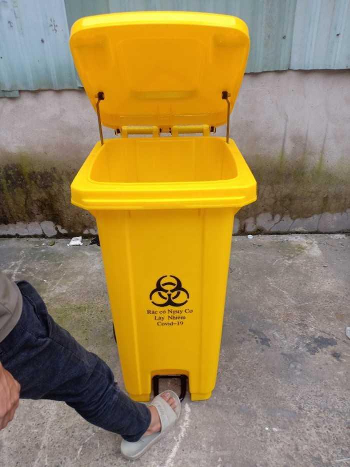 Cung cấp các mặt hàng nhựa công nghiệp: thùng tác, công cộng, thùng rác y tế tại TPHCM