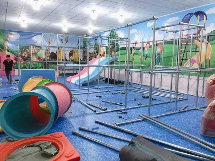 Khu vui chơi liên hoàn cho trẻ em với xích đu thang leo đa năng, cầu trượt bằng gỗ, xích đu thang leo đa năng