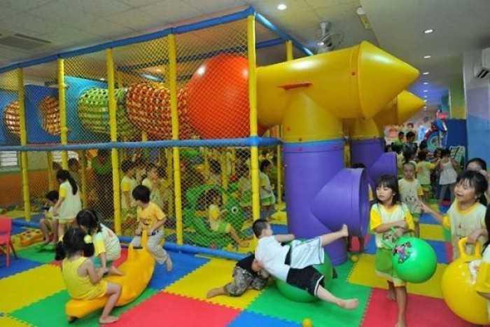Thiết kế và thi công lắp đặt trọn gói khu vui chơi trẻ em trong nhà trường mầm non, công viên ngoài trời