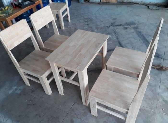 Mẫu bàn ghế gỗ có tựa lưng cho quán cafe vỉa hè