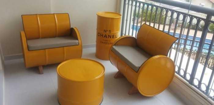 Bộ bàn ghế từ thùng phi tái chế cho quán cafe vỉa hè