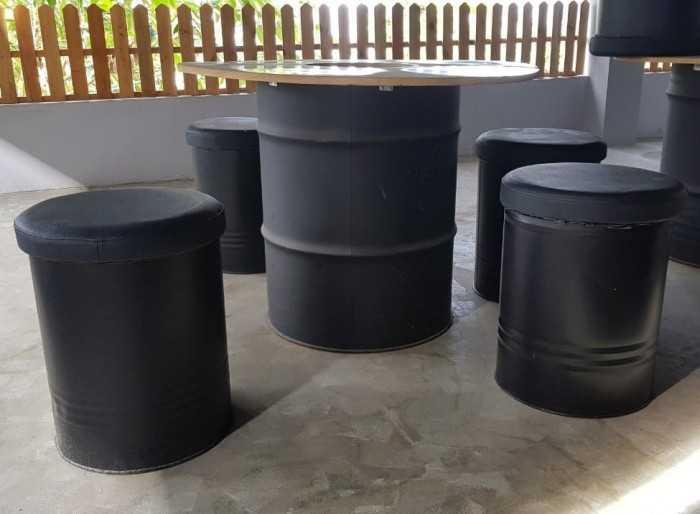 Bộ bàn ghế thùng phi tái chế cho quán cafe vỉa hè