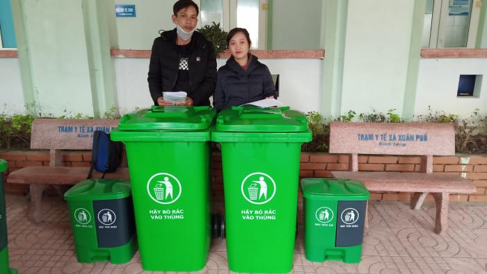 Cung cấp thùng rác công cộng, thùng rác y tế, sóng nhựa, can nhựa,... tại TPHCM