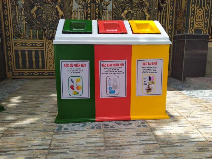 Thùng rác 3 màu giá sỉ tại TPHCM