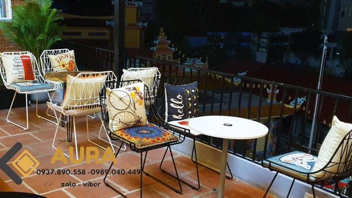 Feeback - 9 - của khách hàng khi trang trí không gian với gối tựa lưng Aura