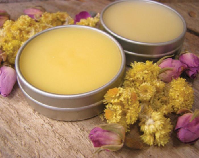 dưỡng môi sáp ong, son dưỡng môi sáp ong, làm son môi bằng sáp ong