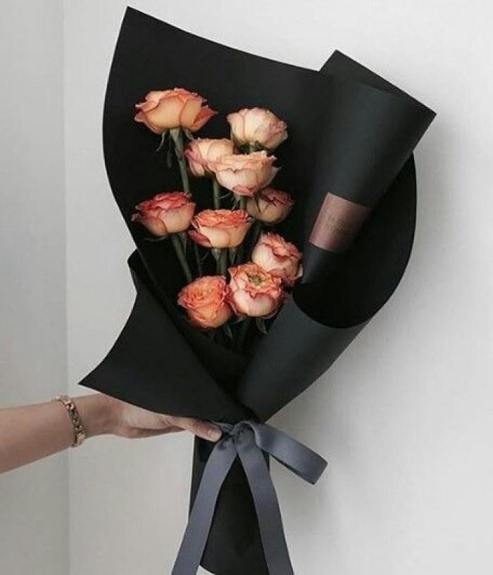 Giấy gói hoa đen