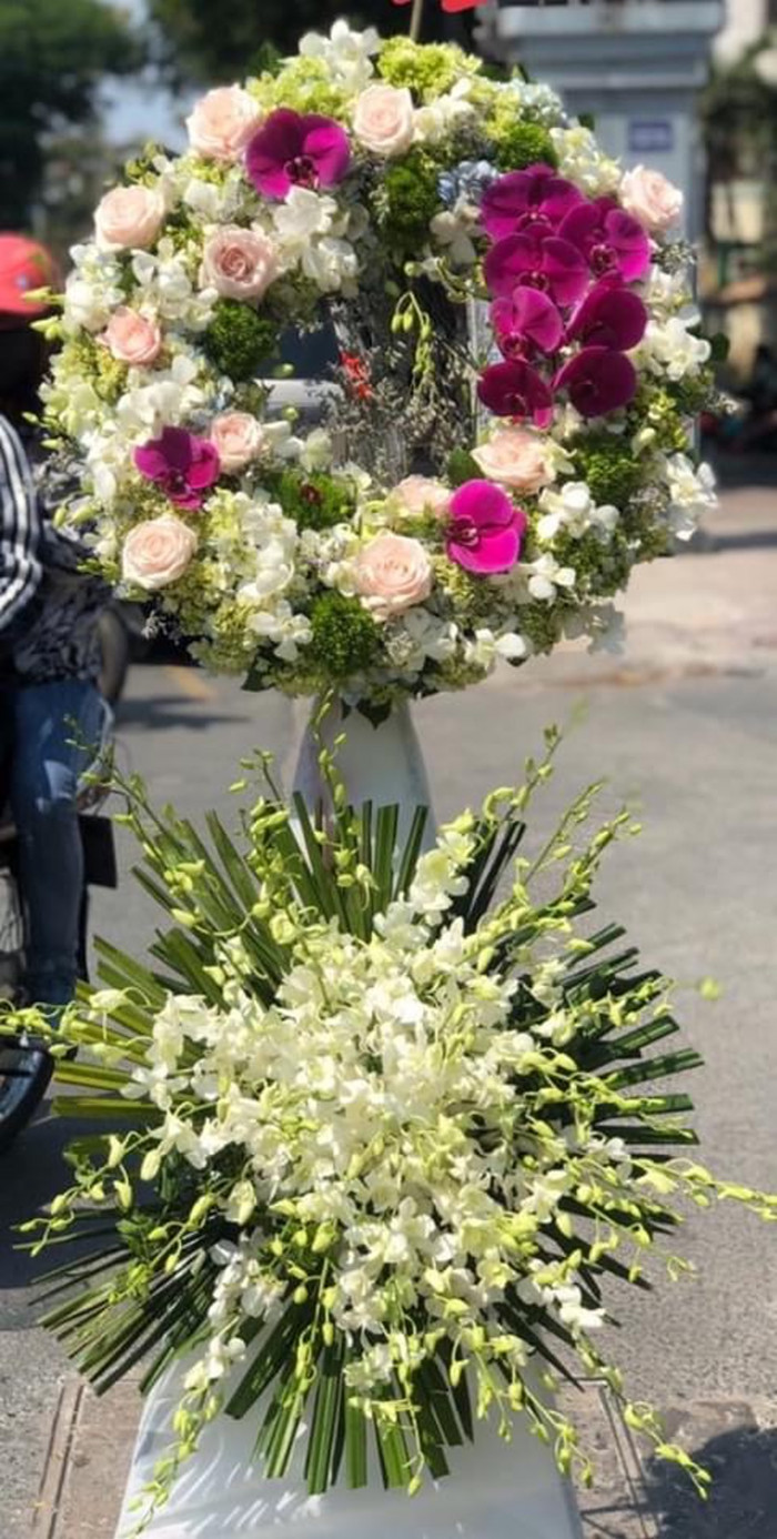 Mẫu vòng hoa viếng đám tang quận Tân Bình