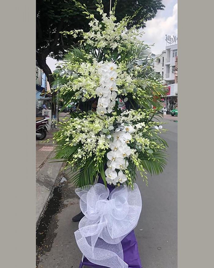 Cách chọn vòng hoa viếng đám tang người theo đạo Tin Lành