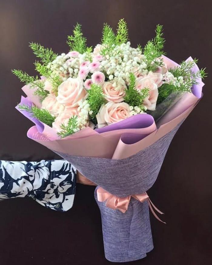 Mẫu hoa tri ân các bà mẹ Việt Nam anh hùng(2)