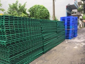 Cẩm nang chọn mua Pallet nhựa lót sàn