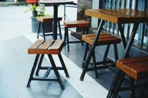 Tổng hợp những mẫu bàn ghế cafe cóc, quán cafe nhỏ, đẹp giá rẻ